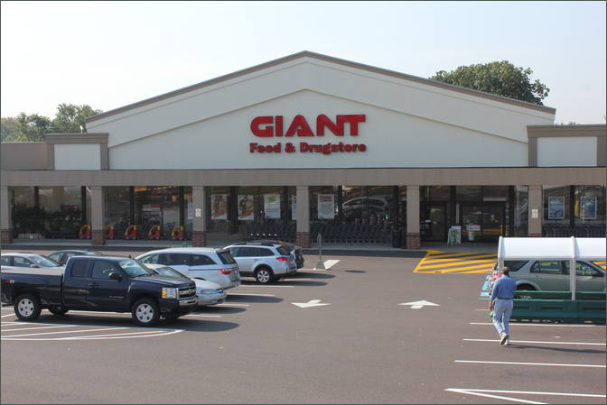 Whitemarsh Shopping Center anchored by Giant Foods – Conshohocken PA