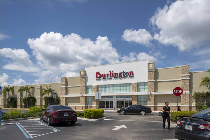 Lease Retail Space Naples FL Next to Grocer - Park Shore Plaza