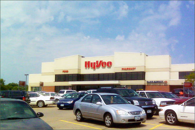 Commercial Space for Lease Davenport IA- Kimberly West Shopping Center