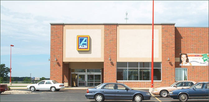 Commercial Space for Rent – Pad Available -Austin Town Center – Mower County Minnesota