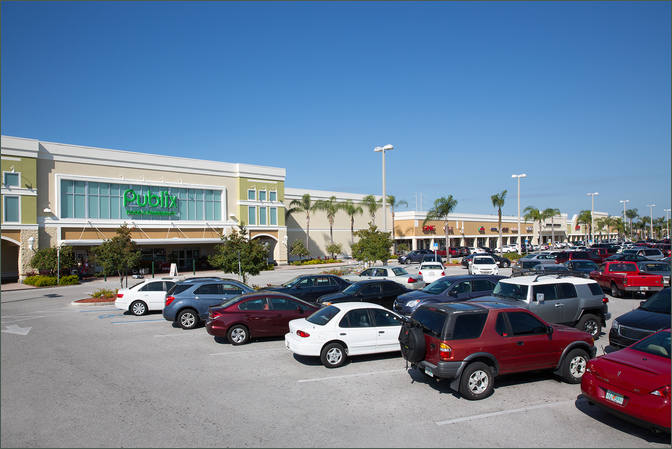 Lease Retail Space Tarpon Springs FL Next to Publix - Tarpon Mall