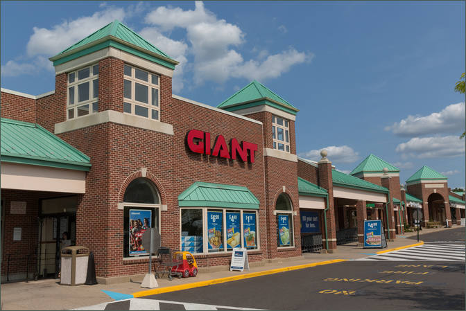 Retail Space Available in Giant Anchored Shopping Center – Chalfont PA