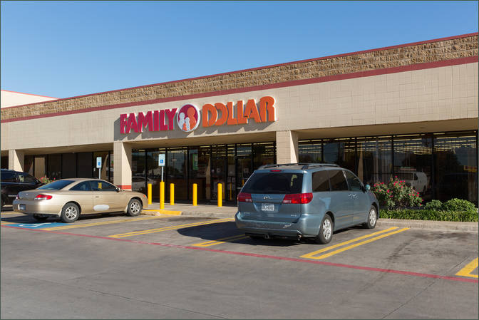 Available Retail Space for Lease Next to Family Dollar – Dallas TX - Claremont Village