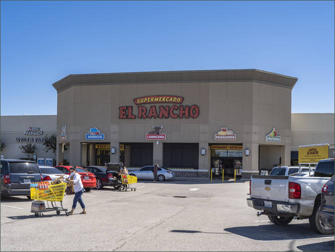 Shopping Center Space for Lease Stafford TX Anchored by Randall's - Keegan's Meadow