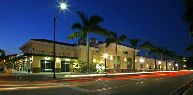 Small Restaurant Space for Lease Fort Meyers FL Next to Publix - First Street Village