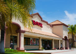 Store front for rent - San Dimas Plaza California next to T.J. Maxx
