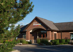 Lease Retail Space Next to Bank Libertyville IL - Butterfield Square – Lake County