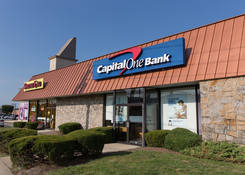 Retail Shop Space Next to Bank Parkway Plaza - Carle Place NY – Nassau County