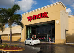 Lease Retail Space Lighthouse Point FL Next to TJ Maxx - Venetian Isle Shopping Center