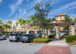 Boutique Space for Rent Royal Palm Beach FL - Cobblestone Village