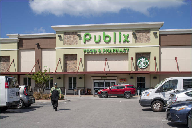 Boutique Space for Rent Next to Publix -Naples Plaza - Florida