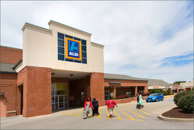 Storefront for Rent Florissant MO - Clocktower Place - St Louis County