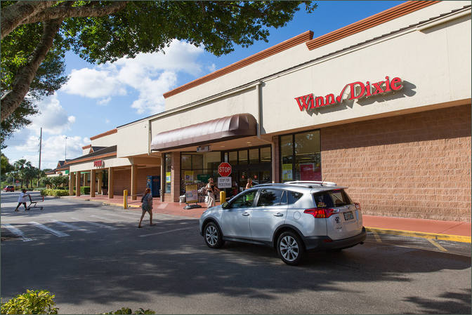Retail Space Available Port St Lucie next to Grocer -Shoppes of Victoria Square