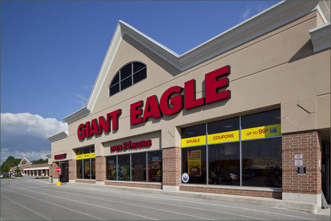 Medical Office for Lease Close to Giant Eagle Middleburg Heights OH - Southland Shopping Center – Cuyahoga County