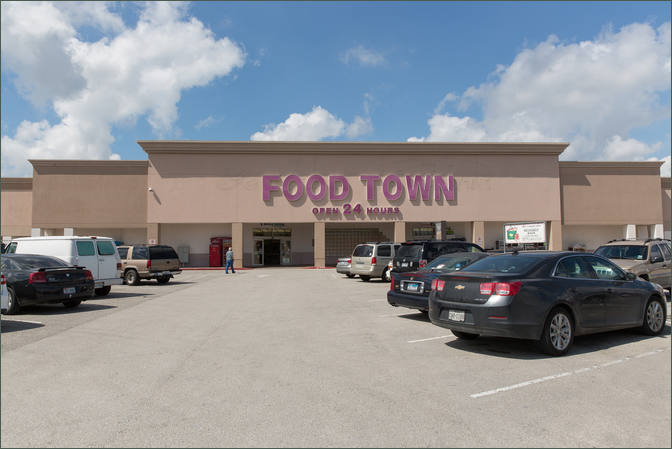 Retail Space for Lease Deer Park TX Next to Grocer - Parktown