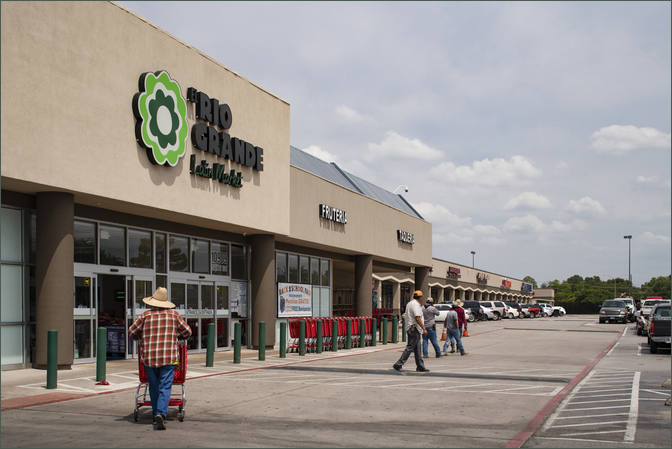 Retail Space for Lease Dallas TX next to Family Dollar - Webb Royal Plaza