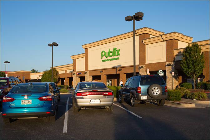 Salon Space for Lease in Shopping Center Gallatin TN - Greensboro Village – Sumner County