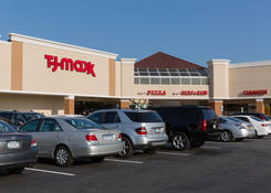 Small Retail Space for Rent Parkway Plaza - Carle Place NY – Nassau County