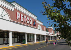 Retail Locations for Rent Next to Pet Store – Middletown Plaza – Monmouth County NJ