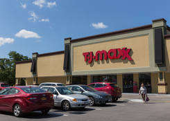 Retail Real Estate Listings Riverhead NY - Roanoke Plaza – Suffolk County