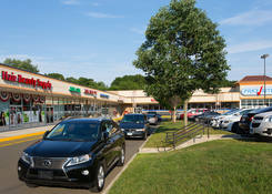 Restaurant Space for Lease Hamden CT - Parkway Plaza - Hamden