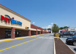 Lease Commercial Space Next to High Traffic Retailer Petsmart – Whitehall PA