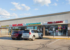 Small Space for Rent Columbus OH - Greentree Shopping Center – Franklin County