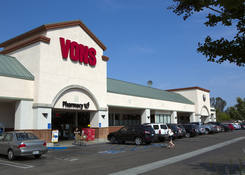 Gym Space for Rent Escondido CA - Felicita Plaza with Grocer Vons
