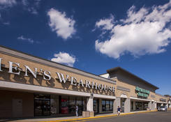 Lease Commercial Space Next to Men's Warehouse Nanuet NY - Rockland Plaza